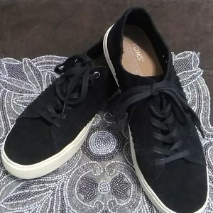 TOM'S --BLACK LEATHER SUEDE
